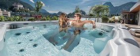 Fieldstone Glass, Pools & Spas